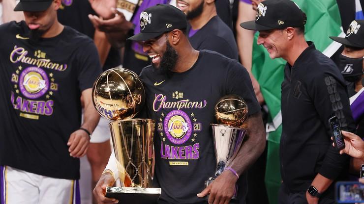 LeBron James z tytułem MVP finałów NBA