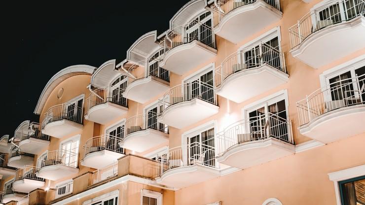 Balconing zakazany. Za złamanie przepisów zapłacimy nawet 60 tys. euro