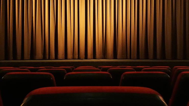 Teatry zamknięte z powodu epidemii. Co tracimy?