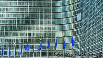 Unijni komisarze pozywają Polskę do TSUE
