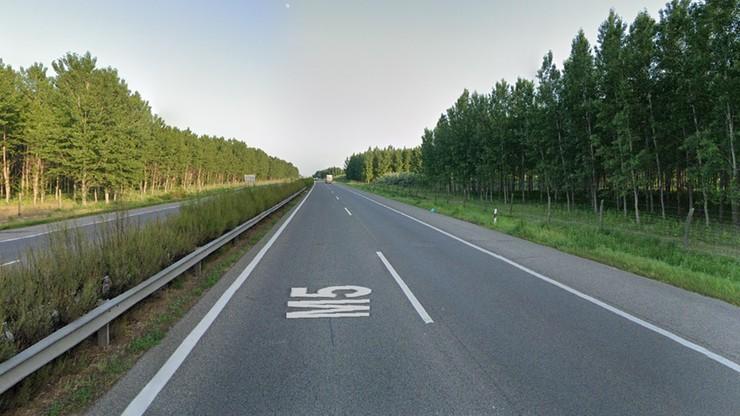 Wypadek polskiego autokaru na węgierskiej autostradzie. Zginęła jedna osoba, wśród rannych dziecko