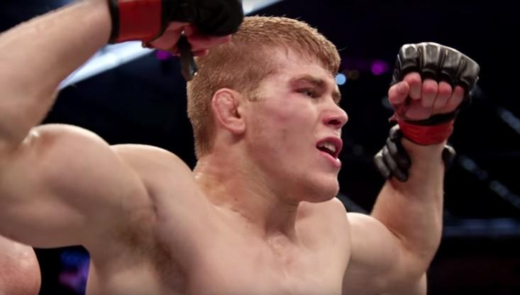 UFC: Wojownik podpisał kontrakt na walkę... własną krwią