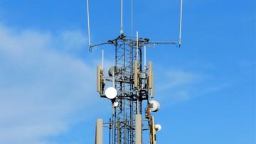 Trwa walka z 5G. Próby podpalenia wież i okablowania