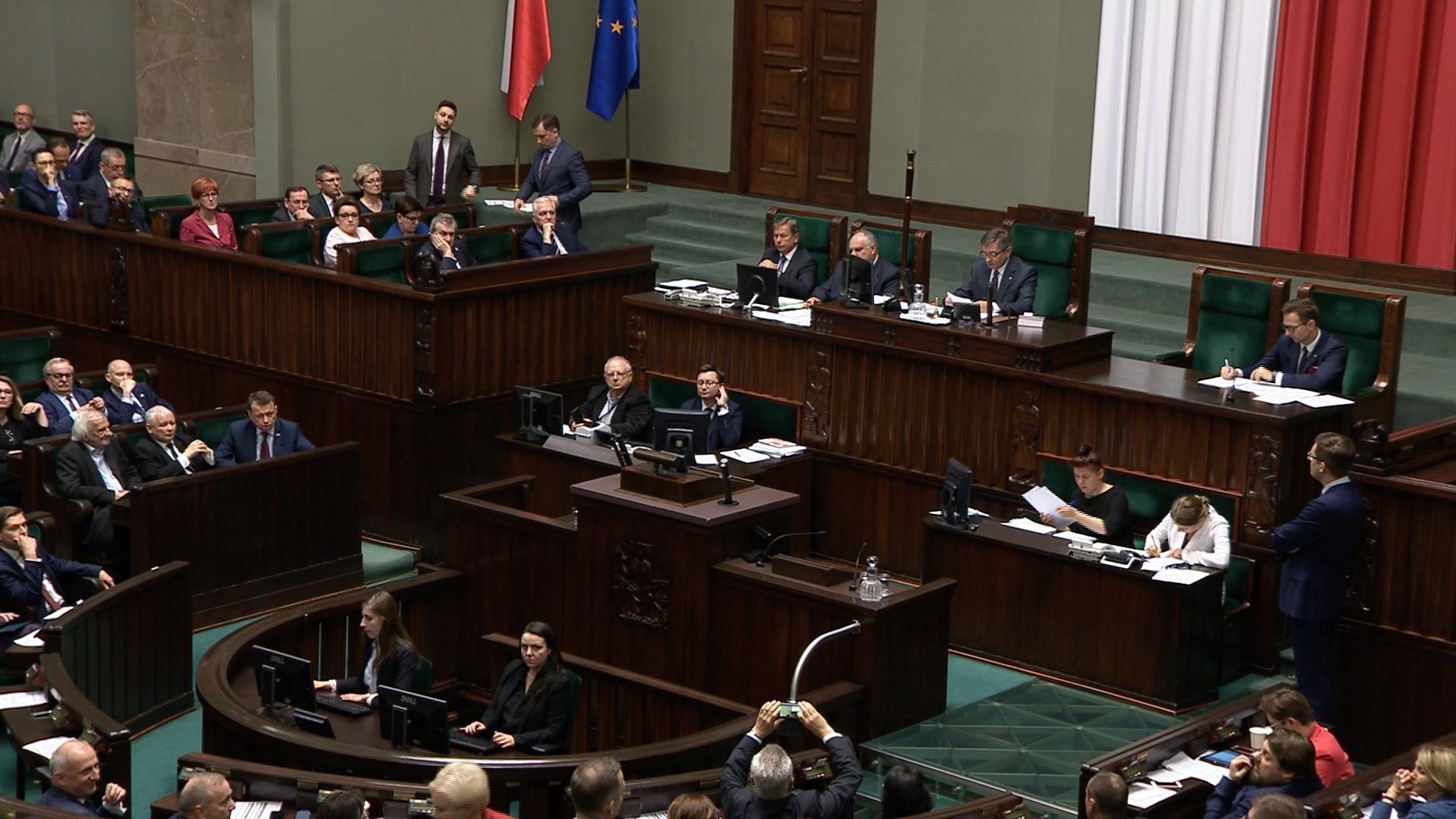 Sejm uchwalił nowelizację kodeksu karnego. Zaostrzył karę za pedofilię