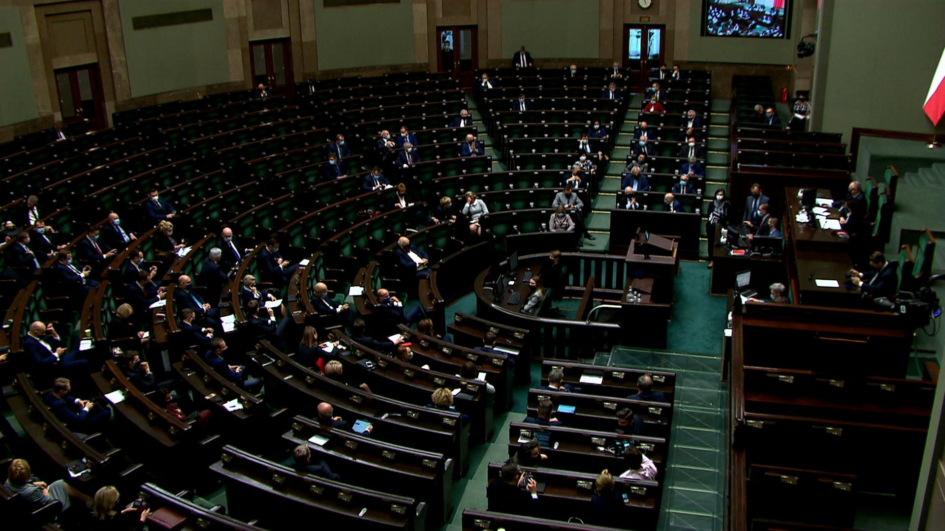 Rząd nie publikuje ustawy antycovidowej. Czeka na poprawkę